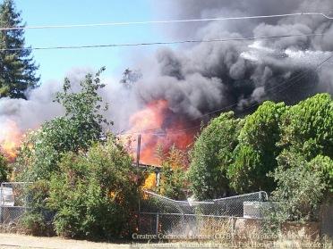 House_fire_with_smoke